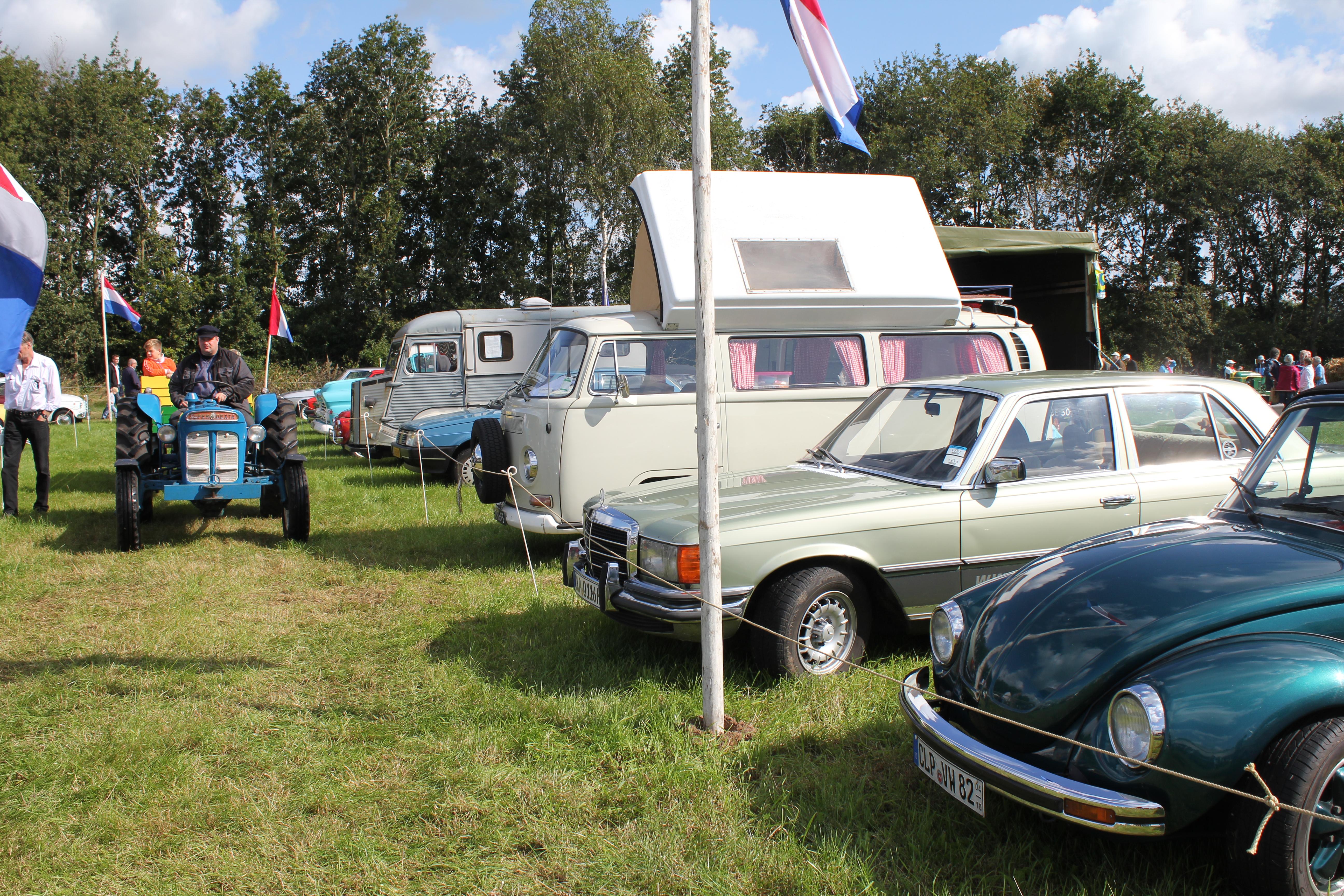 Inschrijving oldtimershow auto's Oogstfeest Onstwedde